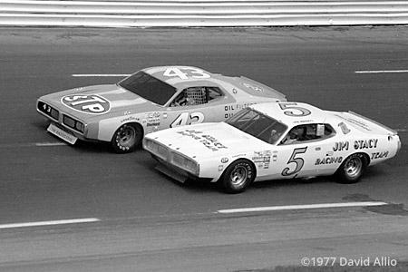Charlotte Motor Speedway 1977 Richard Petty Neil Bonnett