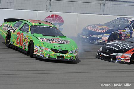 Las Vegas Motor Speedway 2009 Denny Hamlin Kyle Busch