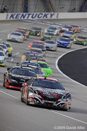 Kentucky Speedway 2009 Joey Logano leads