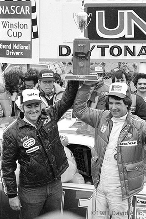 Daytona Intl Speedway 1981 Bobby Allison Darrell Waltrip