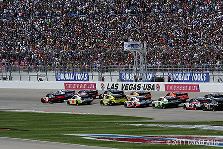 Las Vegas Motor Speedway 2011 Kyle Busch Carl Edwards