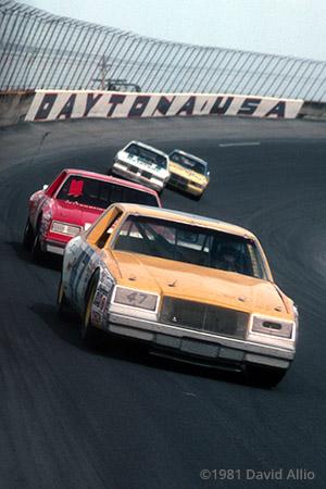Daytona Intl Speedway 1981 Harry Gant Buddy Baker