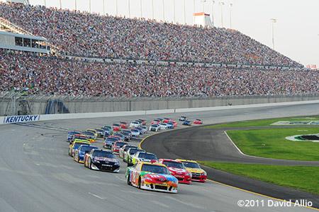 Kentucky Speedway 2011 Kyle Busch Juan Pablo Montoya