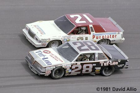 Daytona International Speedway 1981 Bobby Allison Ranier Racing Pontiac LeMans Neil Bonnett Wood Brothers Ford Thunderbird